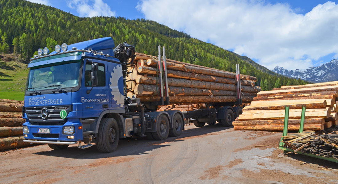 Holztransport Bogensperger Weißpriach